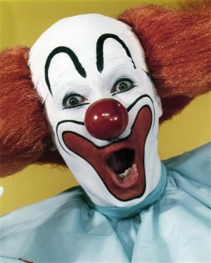 ** FILE ** In this undated file photo, promoter and entertainer Larry Harmon portrays Bozo the Clown.  Harmon, who appeared as Bozo the Clown for decades and licensed the name to other Bozos around the world, had died at age 83. He died Thursday, July 3, 2008, at his home of congestive heart failure,according to his longtime publicist, Jerry Digney. (AP Photo/International Clown Hall of Fame, file) ** NO SALES **