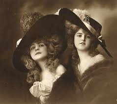 women-with-hats